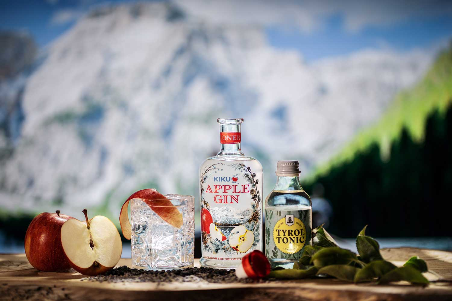 Kiku Apple Gin