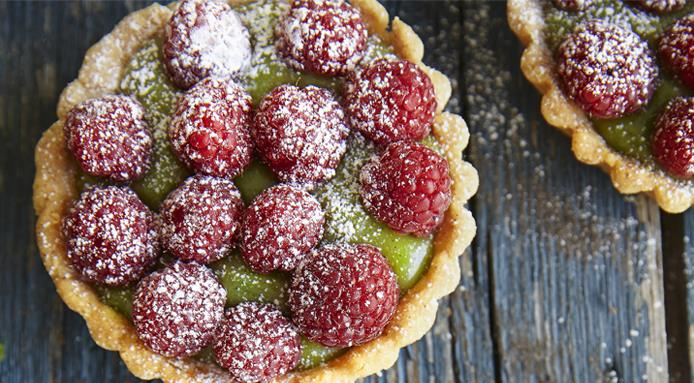 l_13036_mini-raspberry-matcha-tartlets.jpg