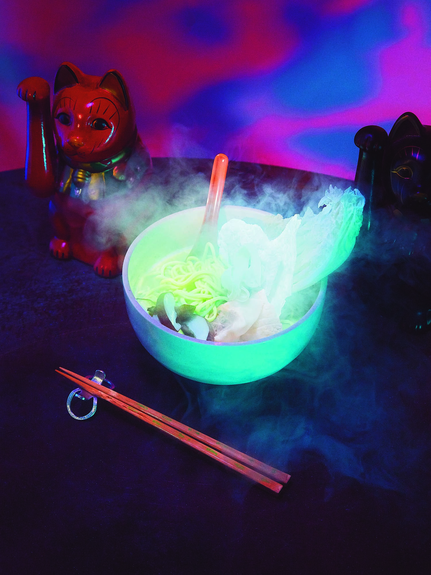 original_01-Bompas-Parr-Zoo-glow-in-the-dark-ramen.jpg