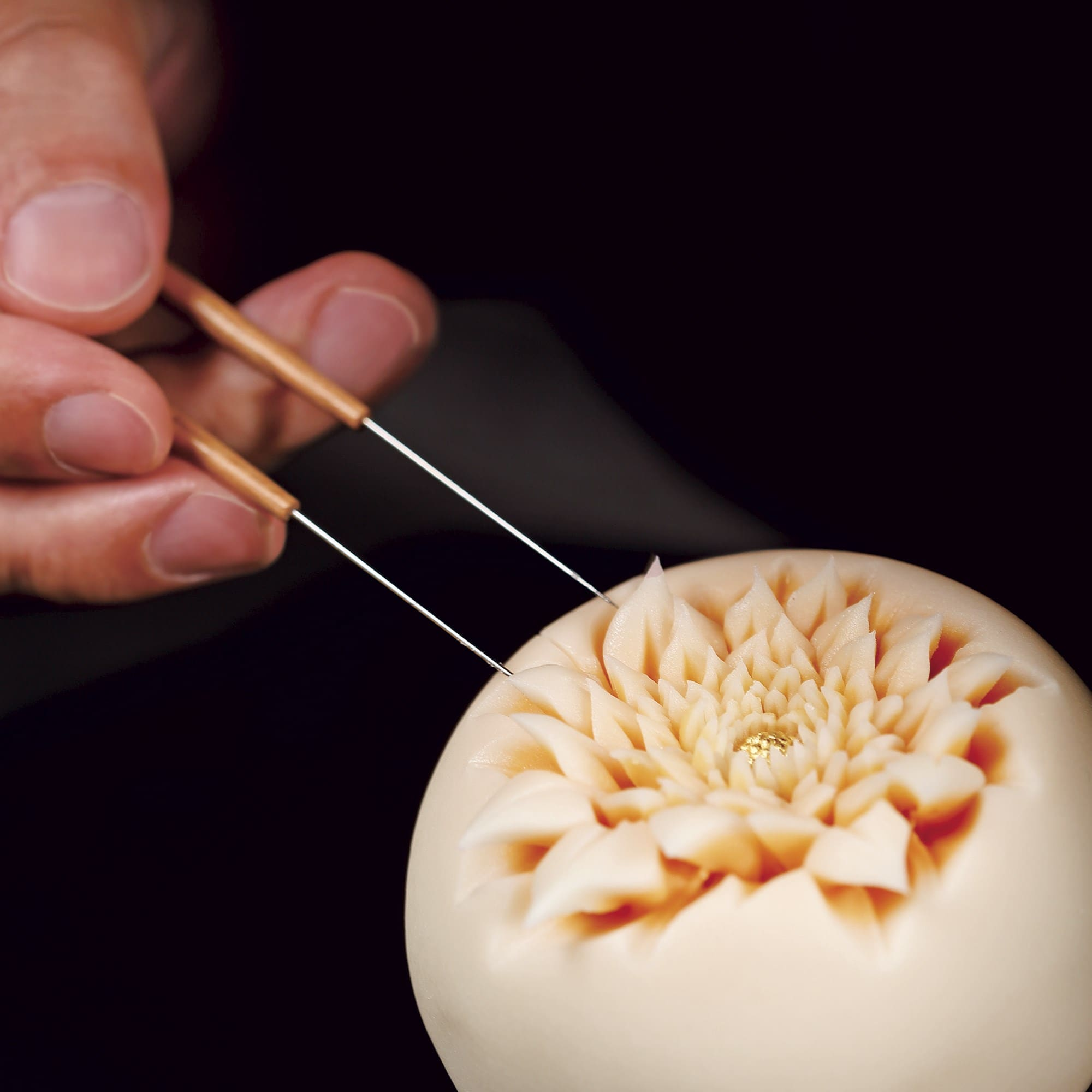 original_Junichi-Mitsubori-making-Wagashi-Kado-Book.jpg