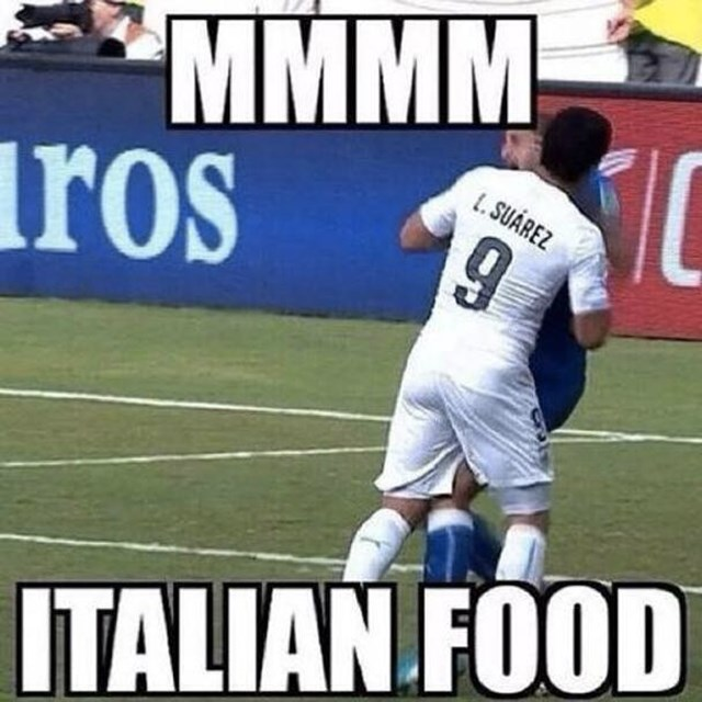 chiellini-suarez-italian-food