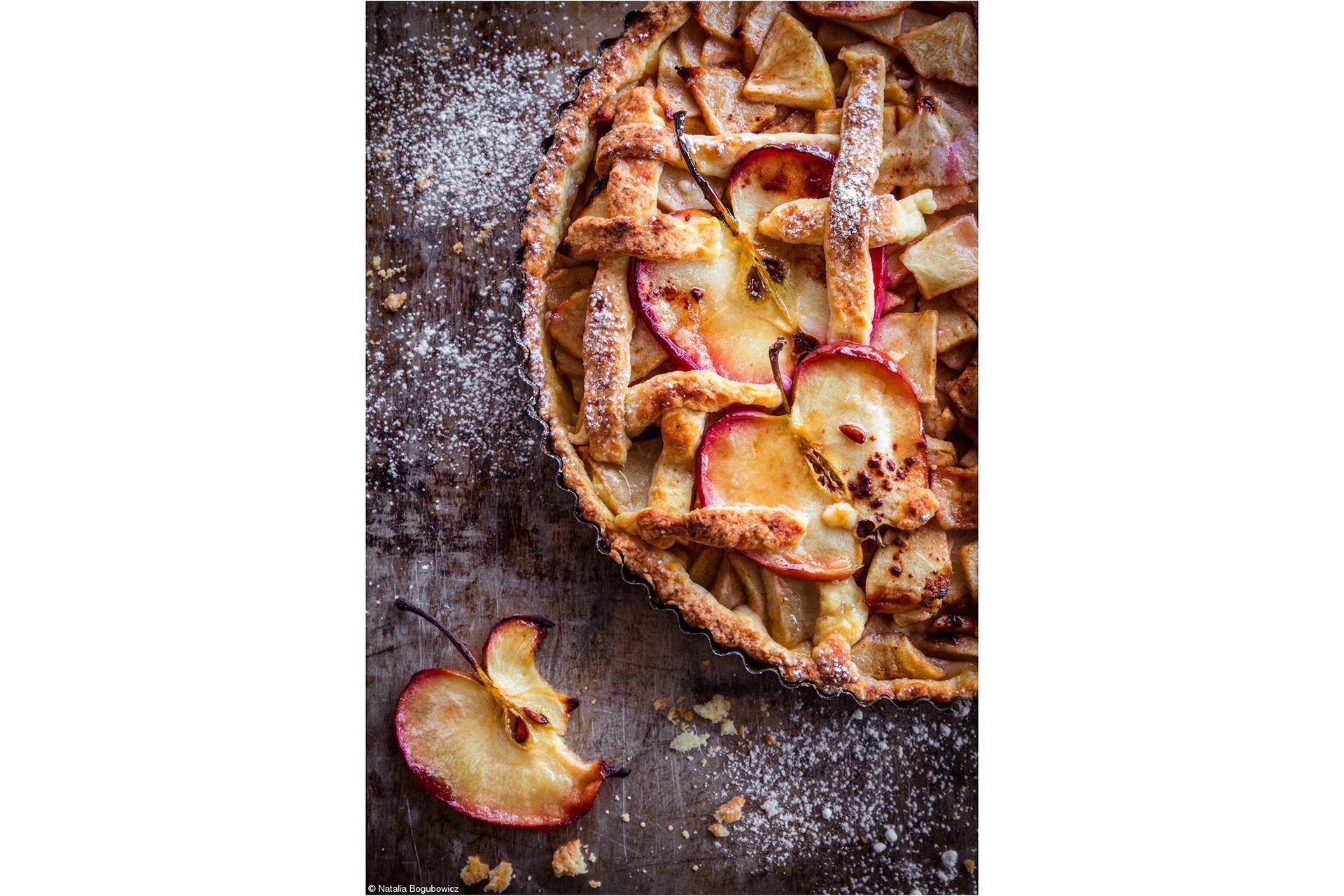 Pink Lady® Apple  Natalia_Bogubowicz - Apple in Cake