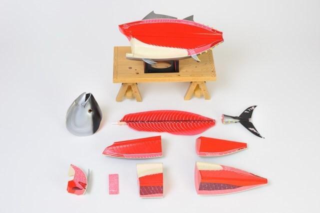 Tonno-giocattolo-taglio-del-pesce