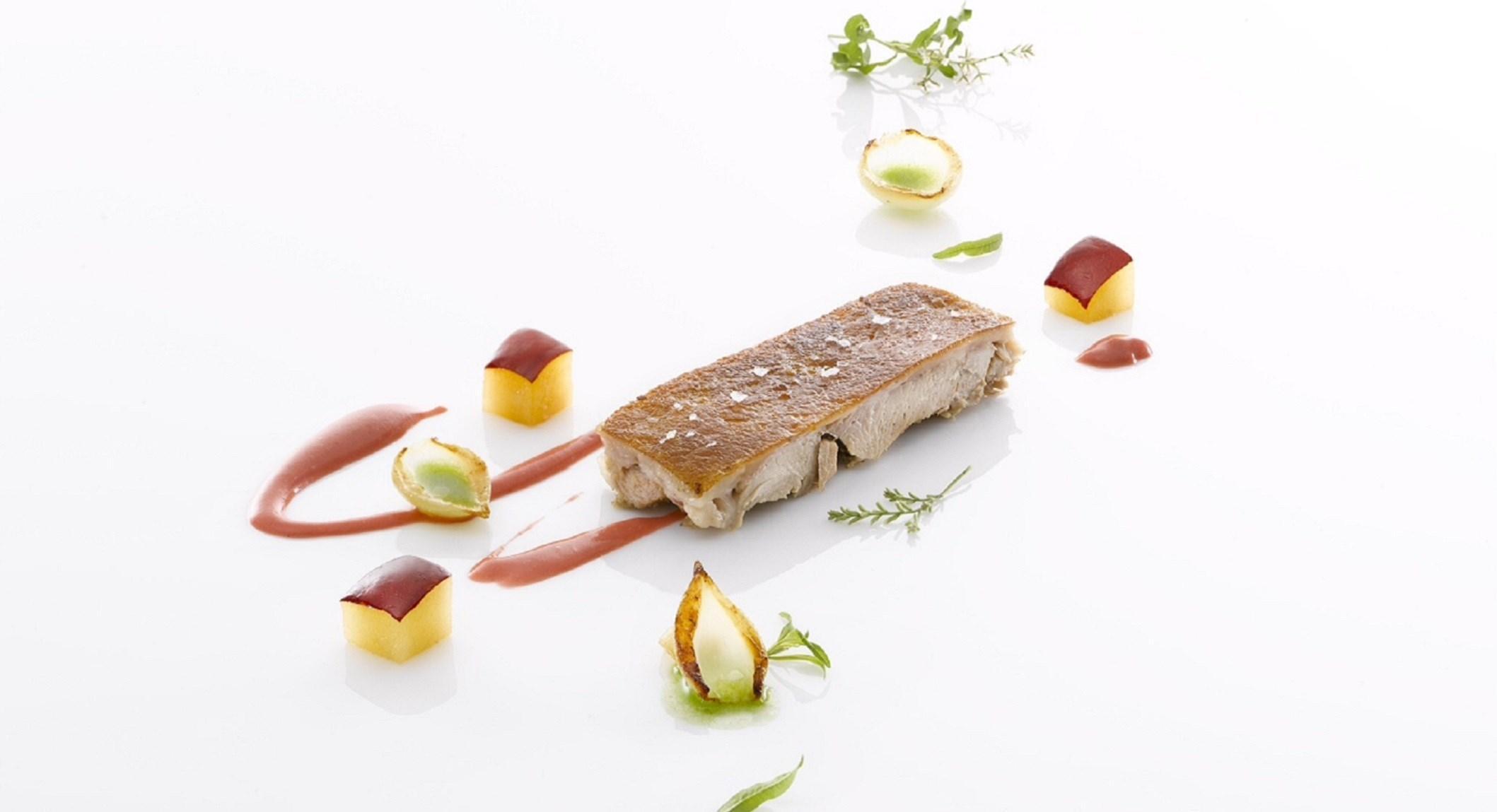 cochon-de-lait-sauce-prune-colagreco